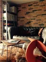 canapé imitation chesterfield espace industriel ambiance chaleureuse canapé imitation