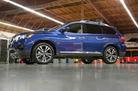 nissan midnight pathfinder 2018 nissan pathfinder won u0027t let you forget your kids in the back