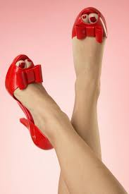 60s chantilly bow peeptoe pump in red