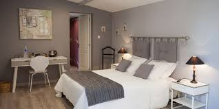 chambre d hotes alpilles chambre victorine clos de l acacia chambres d hôtes à maussane