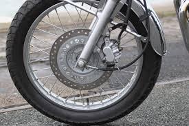 chambre a aire moto pratique monter des pneus tubeless avec une chambre à air