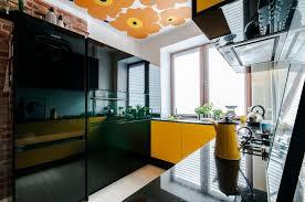 cuisine noir et jaune audacieuse cuisine jaune mademoiselle déco déco