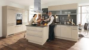 kleine küche mit kochinsel 10 küchen für jeden einrichtungsstil in kleine küche mit kochinsel