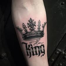 the 25 best king crown tattoo ideas on pinterest queen crown