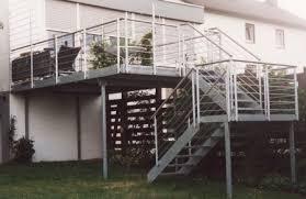 balkon mit treppe geländer außengeländer an einer treppe mit balkon