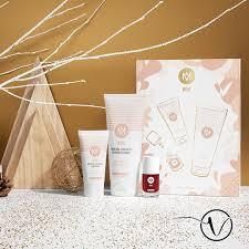 Meme Cosmetics - même cosmetics christmas gift box with 2 creams and varnish oncovia