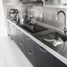 plaque aluminium pour cuisine credence sur mesure en alu plaque en alu pour protection cuisine