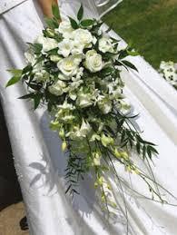 cascading bouquet the tree bouquet shapes cascading bouquet