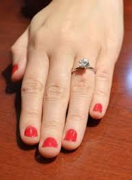 welcher verlobungsring stimmt euren ehe und verlobungsring ab und tragt sie so