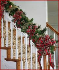 Images Of Decorated Christmas Wreaths by Best 25 Christmas Stairs Decorations Ideas On Pinterest Easy