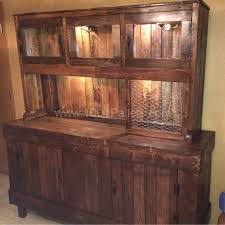 How To Build A Rabbit Hutch Out Of Pallets Best 25 Pallet Hutch Ideas On Pinterest Bakers Rack Diy
