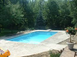 Swimming Pool In Backyard by Michigan Swimming Pool Lawyer Injury Drowning Accident