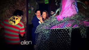 ellen degeneres halloween horror nights amy and jeannie at a haunted house youtube