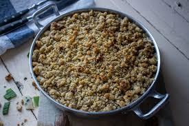 poireaux cuisine crumble salé aux poireaux fourme d ambert et noix cuisine moi un