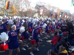 strike up the band thanksgiving parade kicks season