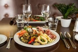 restaurant cuisine martini restaurant