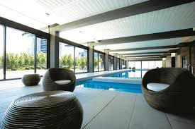 The Breslin Bar Grill Southbank Vic by Apartment Southbank Waterviews Melbourne Australia Booking Com