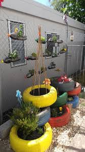 Outdoor Planter Ideas by Best 25 Recycling Plant Ideas On Pinterest Reading Garden Tiny