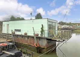 2 Bedroom Houseboat For Sale A Larger Local Choice Of Properties For Sale In Rochester Kent
