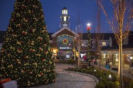 Despicable Me Christmas Lights by Woodbury Common Premium Outlets To Kick Off Holiday Season