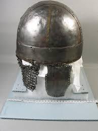 cross banded helmet di vii secolo dal brooklyn museum 7th