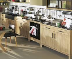 organiser une cuisine mieux organiser sa cuisine avec de nouveaux meubles en bois brut