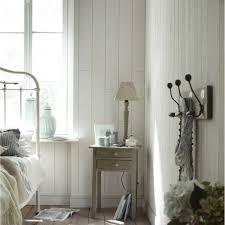 chambre avec lambris blanc une chambre adulte avec lambris sur les murs leroy merlin