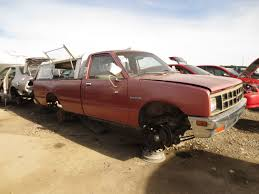 suzuki box truck junkyard find 1984 isuzu p u0027up the truth about cars