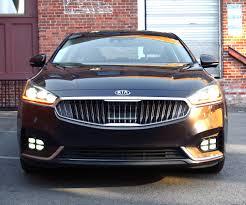 review 2017 kia cadenza it u0027s lonely being a luxury sedan