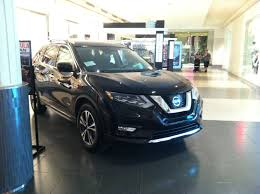 Nissan Rogue Hybrid 2017 - file nissan rogue 2017 cuv hybrid side front jpg wikimedia commons