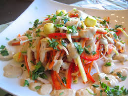 Raw Food Dinner Ideas What The Hell Does A Vegan Eat Anyway Raw Food Wednesday Pad Thai
