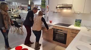 cuisine bois acier carreaux de mur en céramique à motifs exquis meuble haut cuisine