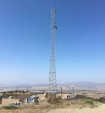 radio tower orcutt man rescued from 120 foot radio tower the tribune