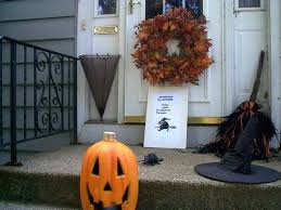 Halloween Witch Outdoor Decorations by Outdoor Halloween Decorations Thriftyfun
