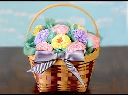 cupcake gift baskets how to make a cupcake bouquet basket