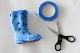Spray Paint Your Shoes - spray painted rain boots