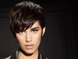 demi moore haircut in ghost the movie short pixie haircuts inspired by demi moore s look in ghost
