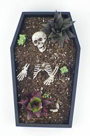 halloween diy coffin table planter revamperate