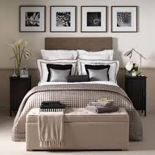 coffre de chambre 40 idées pour le bout de lit coffre en images