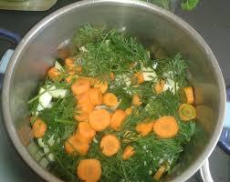 cuisiner les fanes de carottes soupe froide courgettes carottes et fanes de carottes
