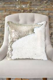 Pillow Designs by Best 25 Mermaid Pillow Ideas On Pinterest Mermaid Room Mermaid