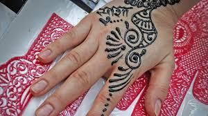 verbrennungen durch farbstoff in henna tattoo das erste
