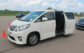 toyota sienna europe toyota u0027s fuel sipping estima and alphard hybrid minivans u2013 off