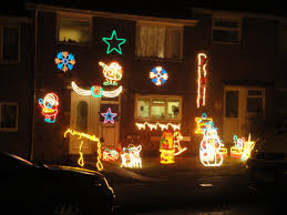 outside home christmas decorating ideas youtube outdoor christmas decorations ideas therobotechpage