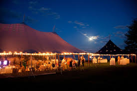 outdoor tent wedding 7 tips for choosing a wedding tent helpful how to s for outdoor