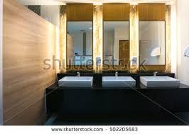 Commercial Bathroom Mirrors by Office Bathroom Faucet Fotografie Snímky Pro členy Zdarma A