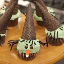 Halloween Decorated Cakes - 18 easy halloween cupcake ideas recipes u0026 decorating tips for