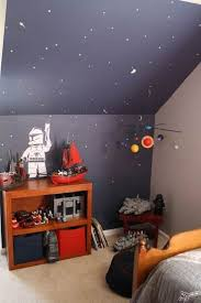 37 best kinderkamerplezier images on pinterest nursery children i like the colors in this simple star wars decor