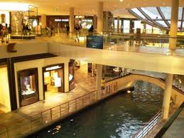 shoing canap shopping centre canal picture of marina bay sands singapore
