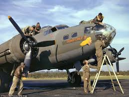 wwii color rare photos 1942 show flying fortress bombers